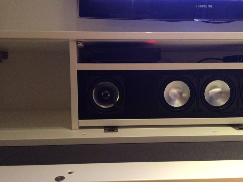 17 11 2015 tv audio meubel zeewolde olinova for Tv wandkast